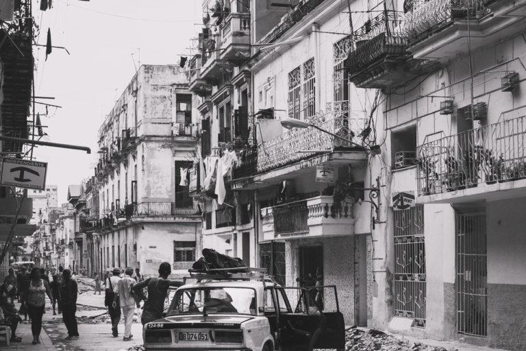 lada epoque russe rue Havane