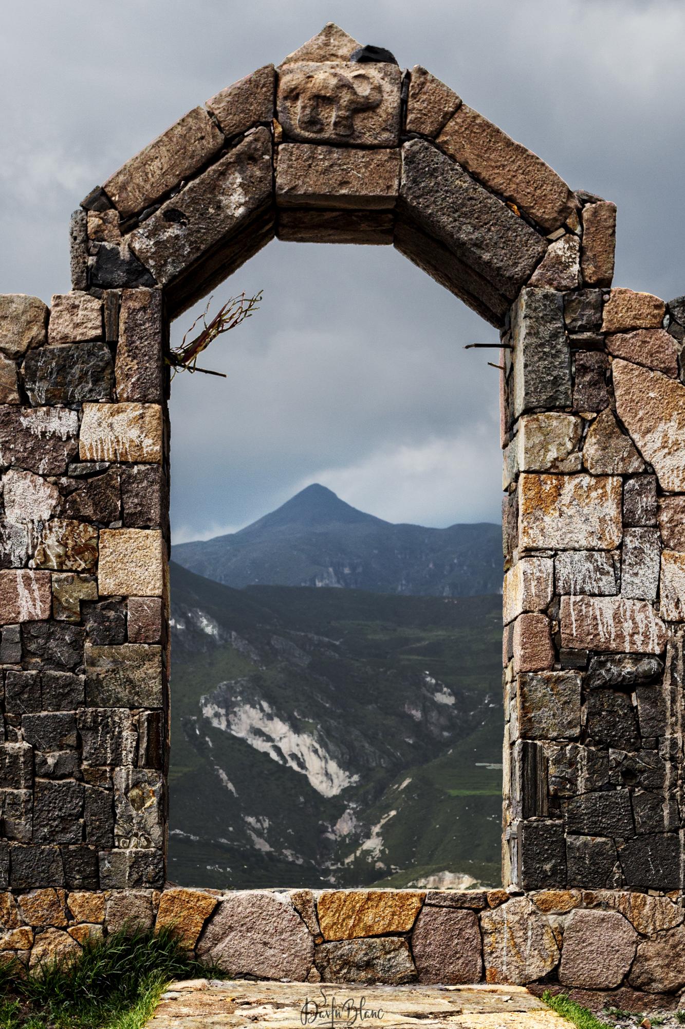 vestiges incas près canyon colca