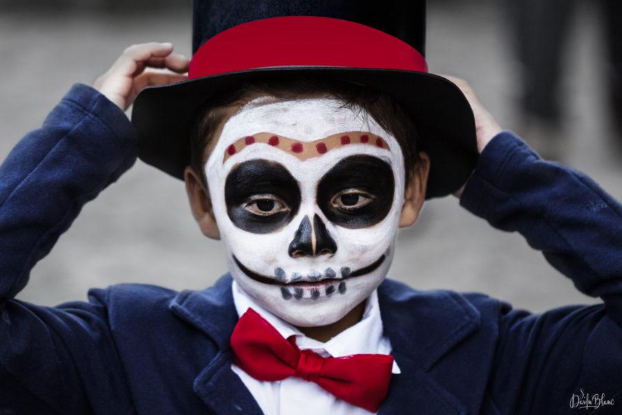 petit garçon costumé jour des morts mexique